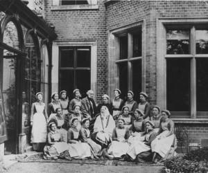Fl. Naitingeila un māsas Londona